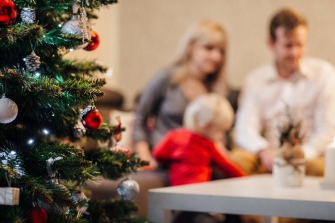 Frohe Weihnachten von baby-kindersitz.de - Ihr Ratgeber für Kindersitze, Babyschalen und Zubehör für Autositze